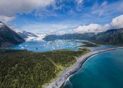bear-glacier-seward-helicopters-wildlife-tours-Alaska-Photo-Adventures